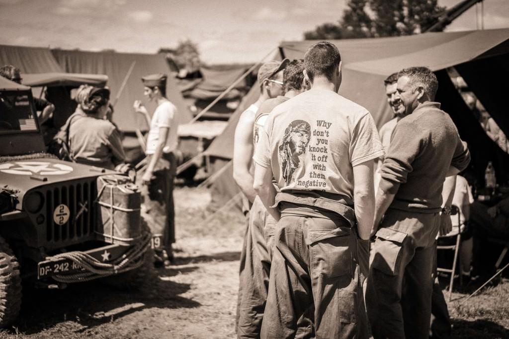 Reconstitution d'un camp américain de 1944 avec 70 participants en tenues d'époque