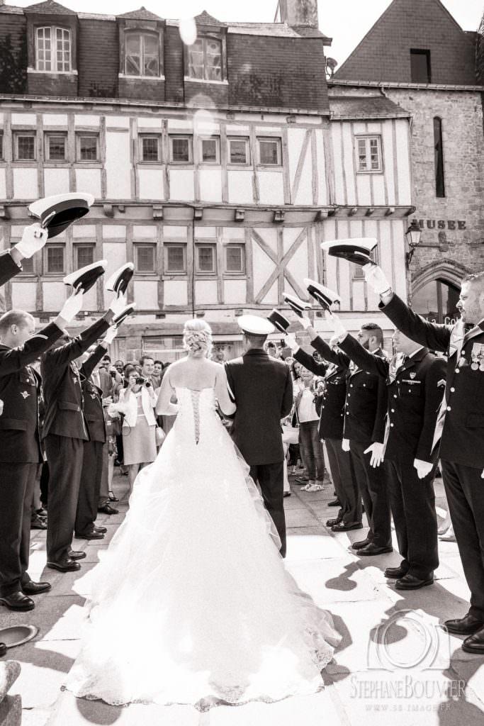 Mariage cathédrale de Vannes, haie d'honneur uniformes armée de l'air