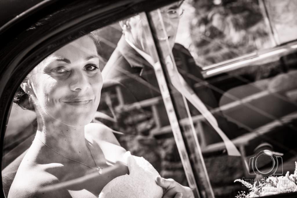 En voiture mariage au Clos du Grand Val à Baud